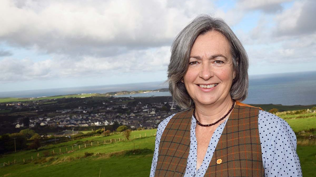 Liz Saville Roberts MP calls for more support for small businesses