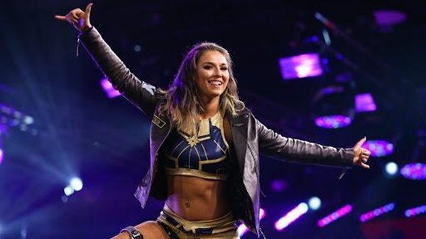 Welsh woman triumphs to obtain place on global WWE 'Smackdown' stage