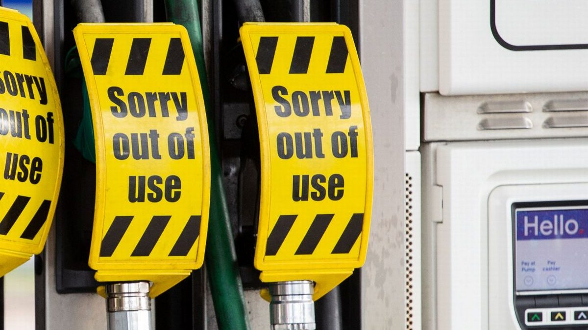 Driver shortage: Public told not to panic as some petrol stations shut