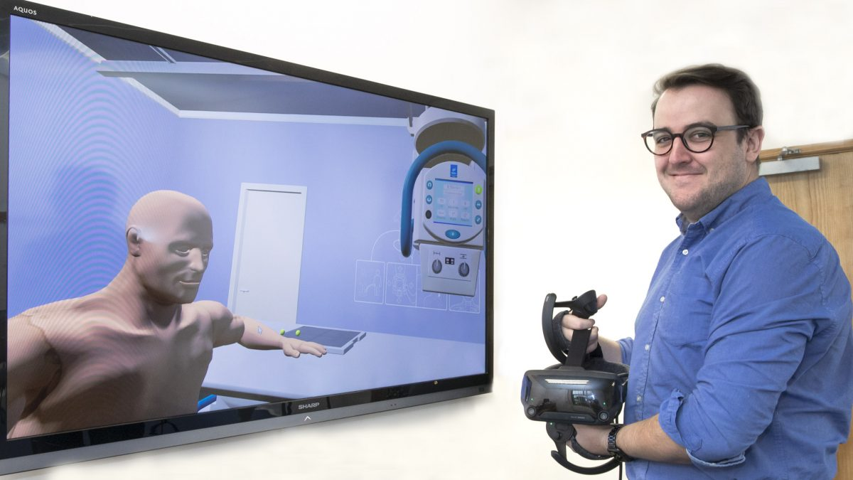 University's X-ray students use virtual reality gaming to hone their skills