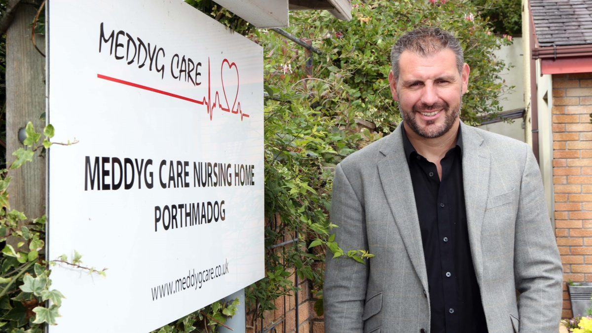 Meddyg Care becomes first Welsh care home to establish admiral nurse service