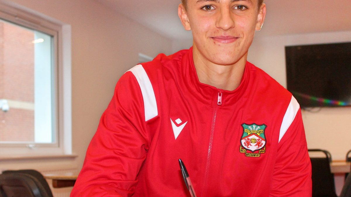Teenage defender signs new three-year deal with Wrexham