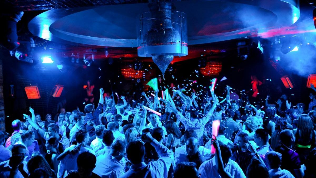 The difference between a bar and a nightclub as Covid passes introduced